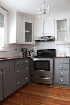 Kitchens: Two-tone Cabinets