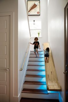 We don& see much of the slides at home but it is interesting for home decor .- Evde kaydırak pek görmediğimiz fakat ev dekorasyonu için ilginç olan bir se… We don& see many slides at home, but home decoration … - Room Interior, Interior Design Living Room, Interior Stairs, Interior Ideas, Bar Interior, Interior Designing, Apartment Interior, Luxury Interior, Design Bedroom