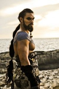 Jason Momoa as Khal Drogo (Game of Thrones) For GOOD ness sakes! Momoa as Khal Drogo (Game of Thrones) Game Of Thrones Promo, Game Thrones, Prince Charmant, Game Of Throne Daenerys, Literary Characters, Book Characters, My Sun And Stars, Thank You Lord, Raining Men