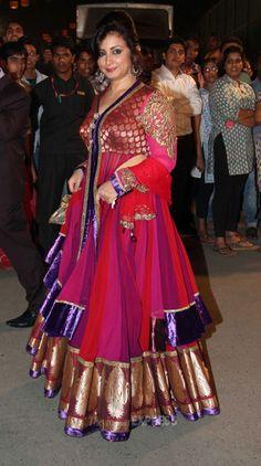 Divya Dutta arrived in a heavy pink kurta lehenga with purple and gold bordering at the Idea Filmfare Awards Beautiful Women Over 40, Beautiful Girl Indian, Most Beautiful Indian Actress, Beautiful Saree, Indian Bollywood Actress, Indian Actress Hot Pics, Bollywood Fashion, Indian Actresses, Divya Dutta