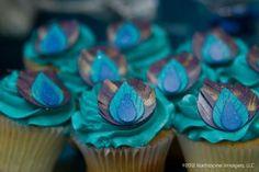 Peacock wedding ideas, Peacock feather cupcakes