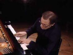J-S-Bach. complete Goldberg variations by GLENN GOULD  né le 25 septembre 1932 à Toronto au Canada et mort le 4 octobre 1982 dans la même ville