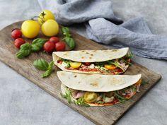 Prosciutto, Arugula, Mozzarella, Parmesan, Food Inspiration, Saveur, Tacos, Lunch, Fruit