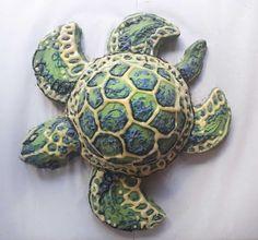 Sea turtle cake made raw vegan and gluten-free, by Sweet Little Sirin