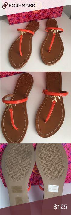 56da8e220c34 Tory Burch T Logo Flat Thong Sandal Size 7.5 Patent saffiano leather and  gold tone hardware