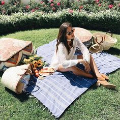 Perfect day for a picnic with @shopplanetblue