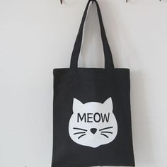 0e61d2f1959f This bag is the perfect gift for cat lovers who love  sling  bags.