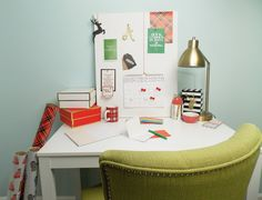 File to Style: DECK YOUR DESK