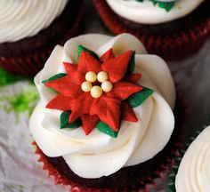 Poinsettia Royal Icing Decorations Great for by cupcakesbychristy