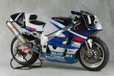 Photos: 33 Years of Suzuki Endurance Road Racing - Asphalt & Rubber Gsxr 750, Suzuki Gsx R 750, Suzuki Bikes, Retro Motorcycle, Suzuki Motorcycle, Motorcycle Design, Racing Team, Road Racing, Bike Photo