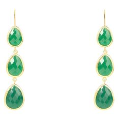 22ct gold plated sterling silver earring with French hook. This stunning triple drop earring features graduated multi-faceted green onyx crystals. Length 8cm. T