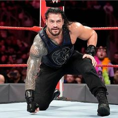 Setting up for either a spear or a superman punch Roman Reigns Wwe Champion, Wwe Superstar Roman Reigns, Roman Reigns Smile, Wwe Roman Reigns, Roman Reigns Superman Punch, Roman Empire Wwe, Wwe Pictures, Galaxy Pictures, Wwe Raw And Smackdown