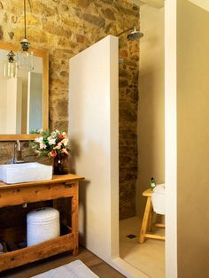 Inspiración para baños rústicos - Supply Tutorial and Ideas Earthy Bathroom, Small Bathroom, Bathroom Tile Designs, Bathroom Interior Design, Bad Inspiration, Bathroom Inspiration, Home Renovation, Home Remodeling, Ideas Baños