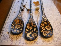 This listing is for one 3 spoon set which will be created for you upon ordering. This set should take about three weeks to create. I will keep you posted weekly on progress, until you receive a shipping notification for your order.  the spoons I create for you will not be exact matches of the pictured spoons...but they will be extremely similar. Your spoons will measure 12. 10 and 8 inches long, and will be burned with an original flower bird design, which will be drawn directly onto the…