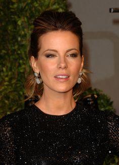 Kate Beckinsale Photos - 2011 Vanity Fair Oscar Party Hosted By Graydon Carter - Arrivals - Zimbio