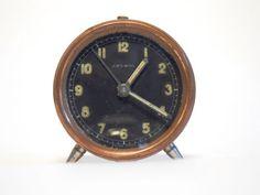 Midcentury-Art-deco-coppered-Swiss-made-DELBOS-2-5-034-mechanical-alarm-clock