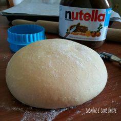 impasto brioche e cornetto dolce Happy Foods, Biscotti, Croissant, Nutella, Crepes, Sandwiches, Bakery, Food And Drink, Pizza