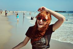 Imagem de girl, beach, and smile