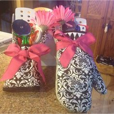 Cute cooking essentials gift. Great as wedding shower gift or shower prize. Change the colors and themes to make it a holiday gift.