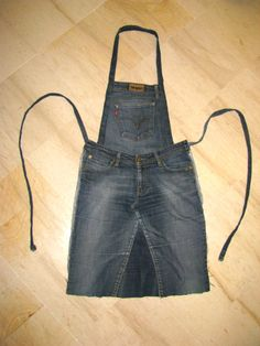 Ideas diy easy sewing projects old jeans Diy Jeans, Jean Crafts, Denim Crafts, Jeans Recycling, Jean Diy, Jean Apron, Denim Ideas, Sewing Aprons, Creation Couture
