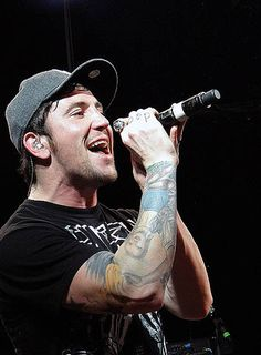 Danny unmasked (Hollywood Undead)= attractive