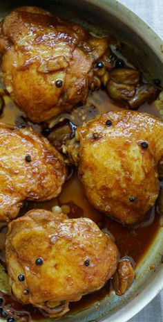 Chicken Adobo – crazy delicious Filipino Chicken Adobo recipe made in one pot. Chicken Abodo is a perfect dinner for the entire family | rasamalaysia.com