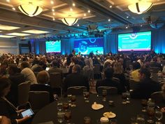 @billgates draws a crowd, packed house and then some at #asugsvsummit - Twitter Search