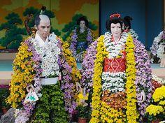 a chrysanthemum figure  二本松の菊人形