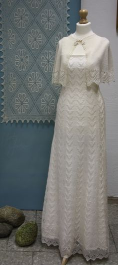 . Lace Knitting, Knit Crochet, Knit Dress, Lace Dress, Wedding Shawl, Modest Dresses, Celebrity Weddings, Crochet Clothes, Jackets