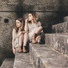 when one naughty step won't do - Twin sisters Jesse and Layla Fraser on the… Fine Art Photo, Photo Art, Sister Friends, Twin Sisters, Popular, Couple Photos, Image, Colors, Couple Shots