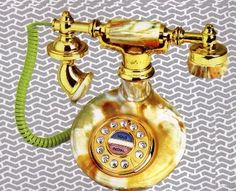Google Image Result for http://www.payphoneoutlet.com/images/14594_1920s-french-Antique-Phone-Look-Telephone.jpg