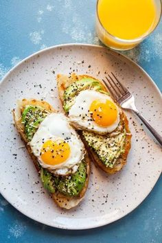 A major upgrade to the already delicious avocado toast is to put everything bage. - A major upgrade to the already delicious avocado toast is to put everything bage. A major upgrade to the already delicious avocado toast is to put e. Breakfast Desayunos, Vegetarian Breakfast, Healthy Breakfast Recipes, Brunch Recipes, Healthy Dinner Recipes, Vegetarian Recipes, Avocado Breakfast, Easy Recipes, Nutritious Breakfast