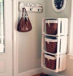 Decorare la casa con i cesti - Cesti in mobiletto fai da te