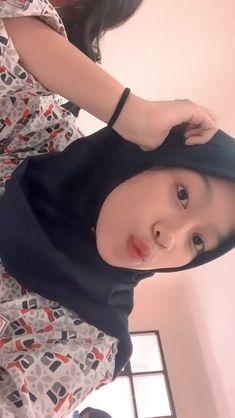 Hijabi Girl, Girl Hijab, Indonesian Girls, Ootd Hijab, Beautiful Girl Image, Face Claims, Girls Image, Hijab Fashion, Poses