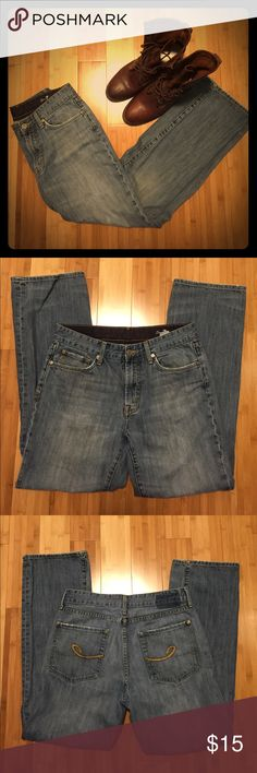 "Men's (Broken In) Seven7 jeans These are well broken in and ready for a hardworking new home. The durable 100% cotton makes for the most flattering yet comfortable fit. These jeans have lots of life left in them. Please see pictures for slight stain and signs of wear. Size 32, inseam 31"" Seven7 Jeans"