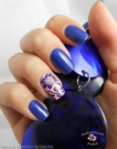 Simple blue nails with a pop