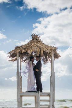Wedding on the beach, bride and groom, symbolic wedding, wedding day, Cilento Coast, Sposa Mediterranea, Olga studio