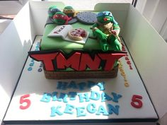 Teenage mutant ninga turtles cake , had alot of fun doing this . Strange how things come back around I remember watching these as a kid ! Turtle Birthday Parties, Ninja Turtle Birthday, Boy Birthday, Birthday Cakes, Birthday Ideas, Pretty Cakes, Beautiful Cakes, Amazing Cakes, Channel Cake