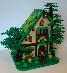 This is my take on the 41174 Starlight Inn set. An upgraded version with a more realistic colour scheme (plants are green, the purple and pink is used only for the interior). No connection to the Elves official stories.