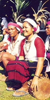 Garo Woman Costume of Meghalaya Indian Dresses, Indian Outfits, Tribal India, Sabyasachi Collection, Indian Costumes, Northeast India, States Of India, India Online, Indian Salwar Kameez