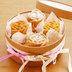 ミニローズケーキの花束アレンジ
