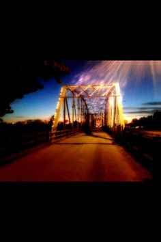 Sunset on the Old Iron Bridge in Bastrop, Tx Bastrop Texas, Places Ive Been, Places To Go, Texas Homes, Rooftop Bar, Galveston, Public Art, Personal Photo, Small Towns