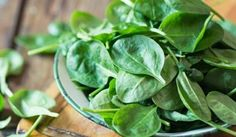 On March each year, National Spinach Day reminds us of the health benefits packed into this leafy green vegetable. Best Spinach Recipes, Healthy Recipes, Healthy Options, Healthy Habits, Healthy Food, Epilepsy Awareness Day, Tinta Natural, National Day Calendar, Sugar Detox
