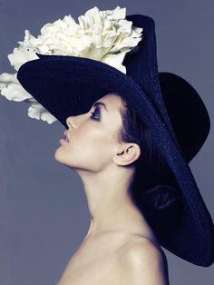An Elizabeth Parker chapeau! - Hats for lady Beauty And Fashion, Fancy Hats, Big Hats, Stylish Hats, Church Hats, Kentucky Derby Hats, Wearing A Hat, Love Hat, Headgear
