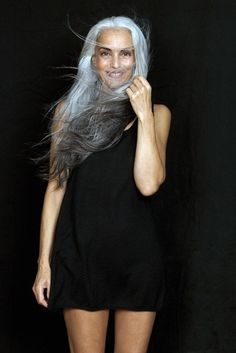 Close Models - Model Gallery of Female Models from the Leading UK Model Agency in London - Model Card for Yasmina Rossi Beautiful Old Woman, Beautiful People, Pelo Color Plata, Yasmina Rossi, Winter Typ, Pelo Natural, Silver Grey Hair, Gray Hair, Natural Hair Styles