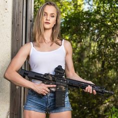 Assault Rifle, Handwriting, Bangs, Weapons, Pin Up, Classy, Clothes, Belle, Warriors