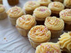 Annin Uunissa: Banaani-Kinuski Cupcakes