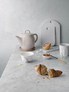 Breakfast table bare