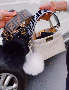 🦋🦋 Kylie Jenner and Chiara Ferragni's favorite Fendi stroller Luxury Purses, Luxury Bags, Luxury Handbags, Fashion Handbags, Fashion Bags, Fashion Women, Style Fashion, Gucci Fashion, Celebrities Fashion
