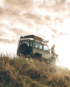 Defender 90, Land Rover Defender 110, Offroad, Camping Sauvage, Road Trip Adventure, Rando, Landrover, Its A Mans World, Travel Aesthetic